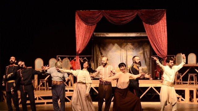 dunya-tiyatro-gunu-maltepe-de-festivalle-kutl-8301745_x_o.jpg
